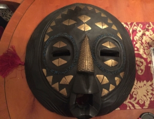 Bougdanos mask